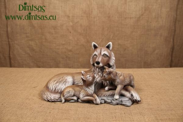 Λύκαινα με τα Μικρά της